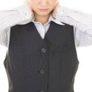 首の痛み(ぎっくり首、急な首の痛み)30代女性/京都 あき鍼灸院