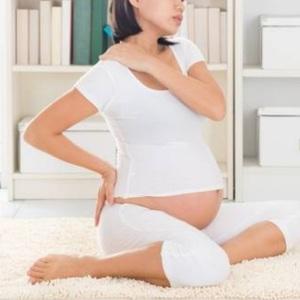 妊婦さんの首と肩のこり(妊娠34週目)/京都 あき鍼灸院